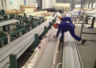 ASTM A312 Stainless Steel Welded Tubes / Pipes TP321H Chemical Fertilizer Applied